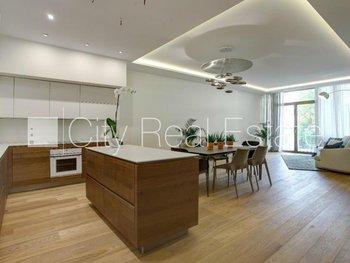 Pārdod dzīvokli Rīgā, Centrā 424249