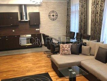 Pārdod dzīvokli Rīgā, Centrā 424134