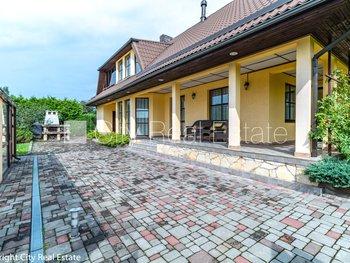 Pārdod māju Rīgā, Berģos 425031