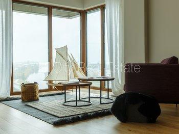 Pārdod dzīvokli Rīgā, Centrā 425531